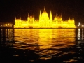 hungarian-parliament-at-night