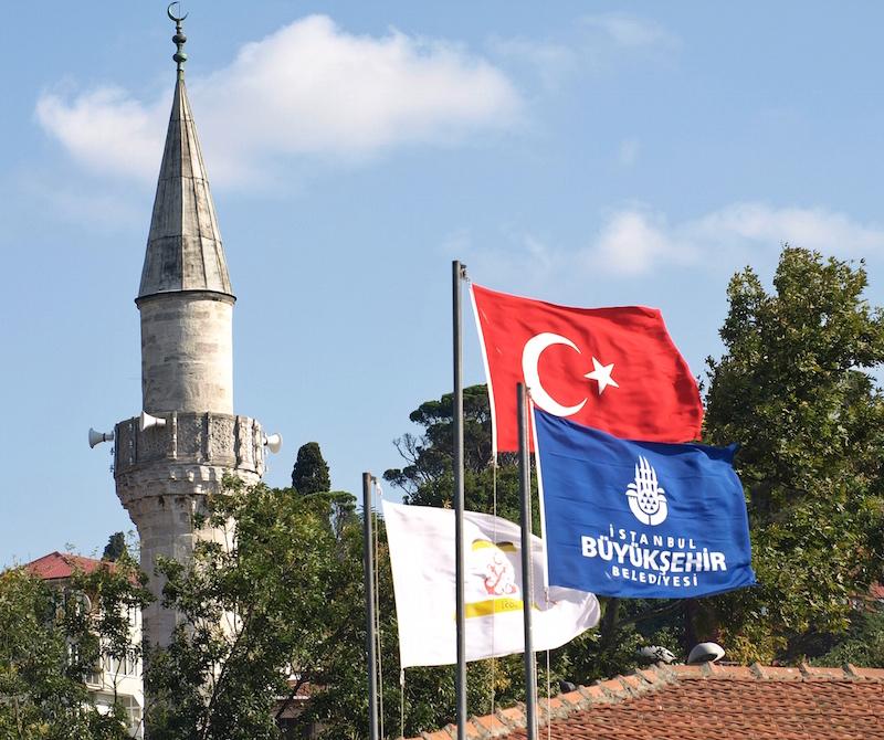mosque-minaret-Istanbul