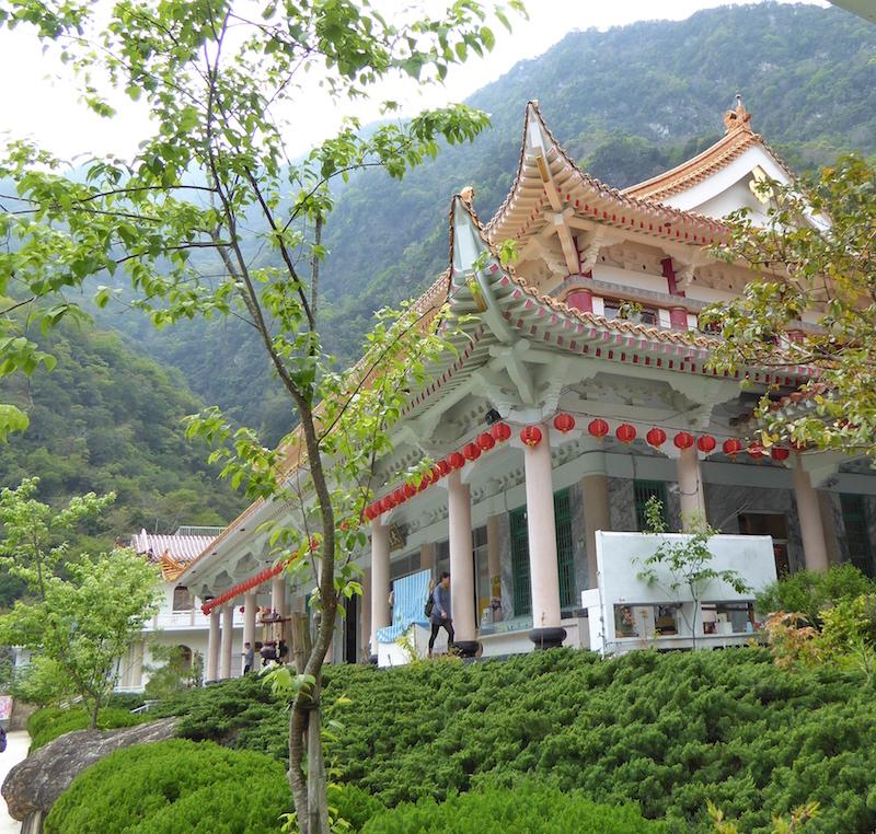 xiangde-temple-taroko