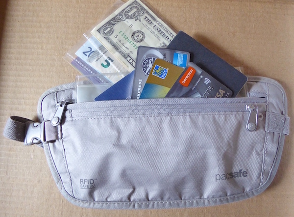 anti-pickpocket-gear-Pacsafe-security-wallet