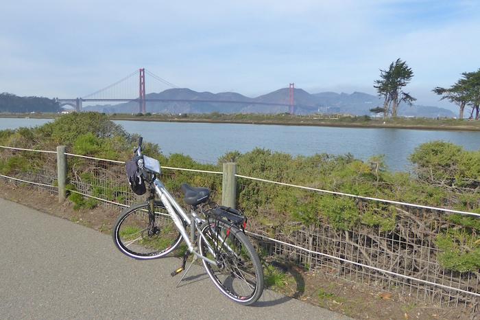 biking-golden-gate-bridge-presidio