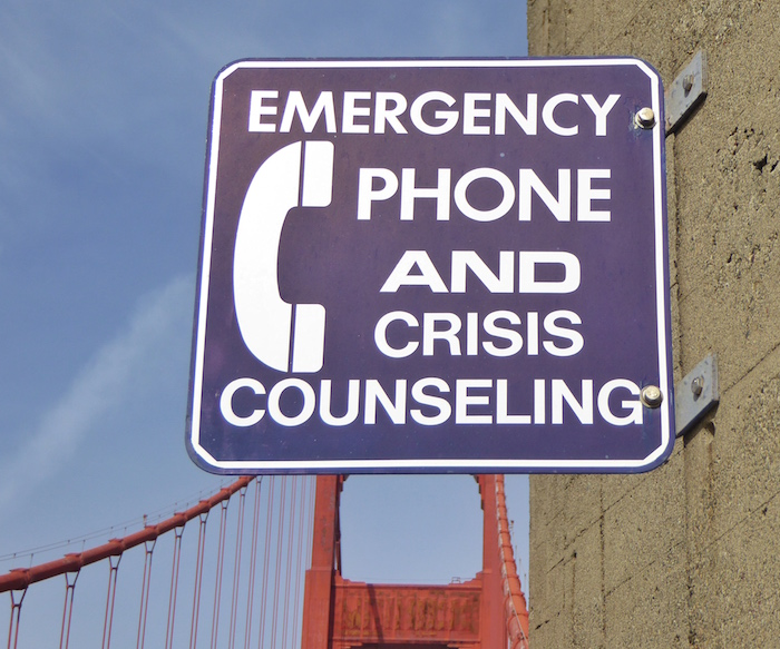 phone-and-crisis-counseling-sign-golden-gate-bridge
