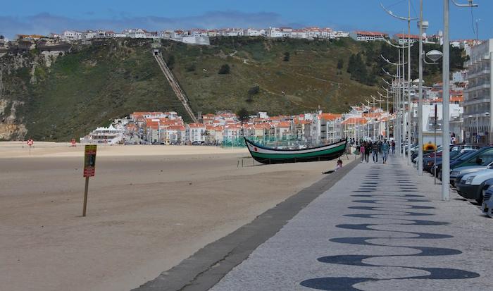 Lazare-Portugal-Beach-promenade