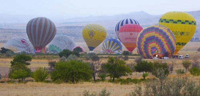 Cappadocia-balloons-getting-ready