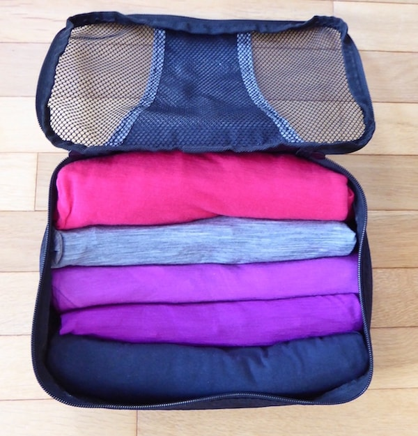 packing-organizer-shirts