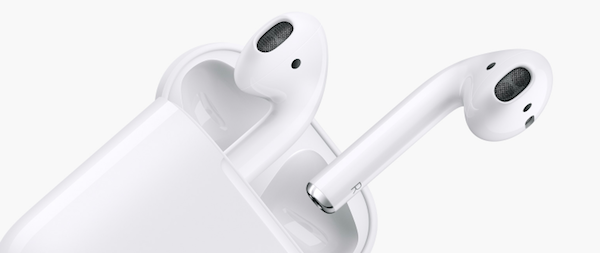 Apple-AirPods-in-charging-case