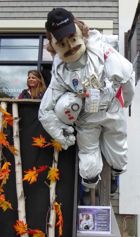 Mahone-Bay-Scarecrow-Festival-Chris-Hatfield