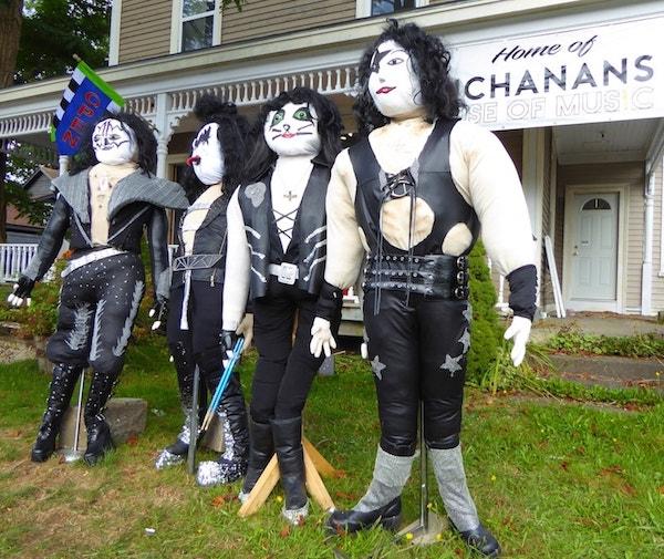 Mahone-Bay-Scarecrow-Festival-rock-band