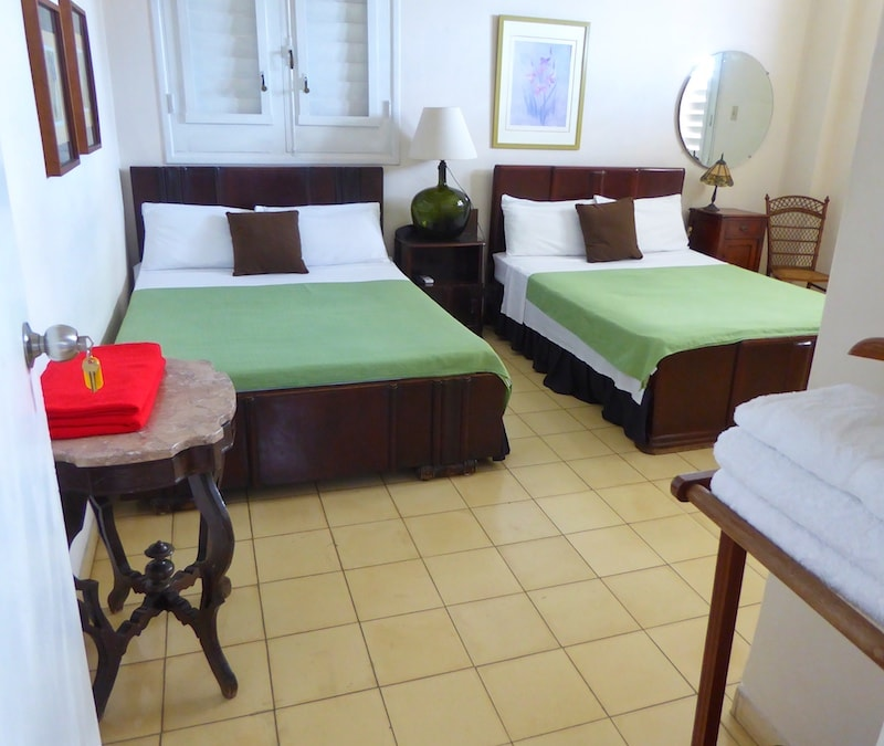recommended-Havana-casa-particular-large-bedroom