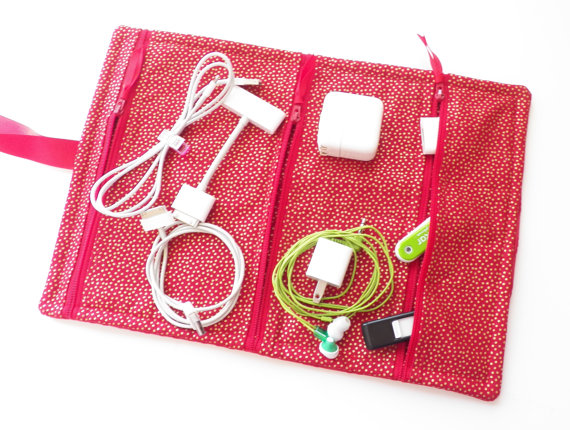 shop-easy-travel-products-zippered-gadget-organizer