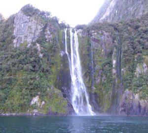 Milford-Sound-Stirling-Falls