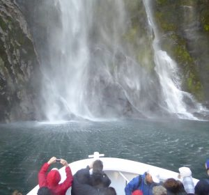Milford-Sound-Stirling-Falls-the-drop