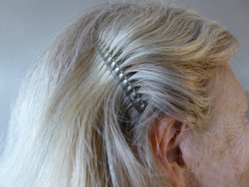 multipurpose-hair-comb-clip